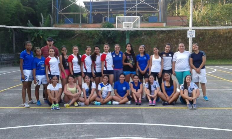 Primer Torneo interno de Voleibol. Sede la Julita   (2)