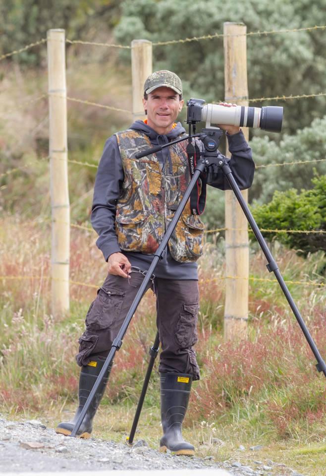 Biólogo experto en fotografía de naturaleza y especies silvestres.