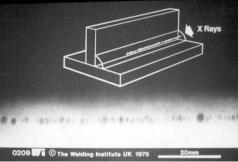 2.1 Radiografía de pieza soldada con defecto de porosidad.
